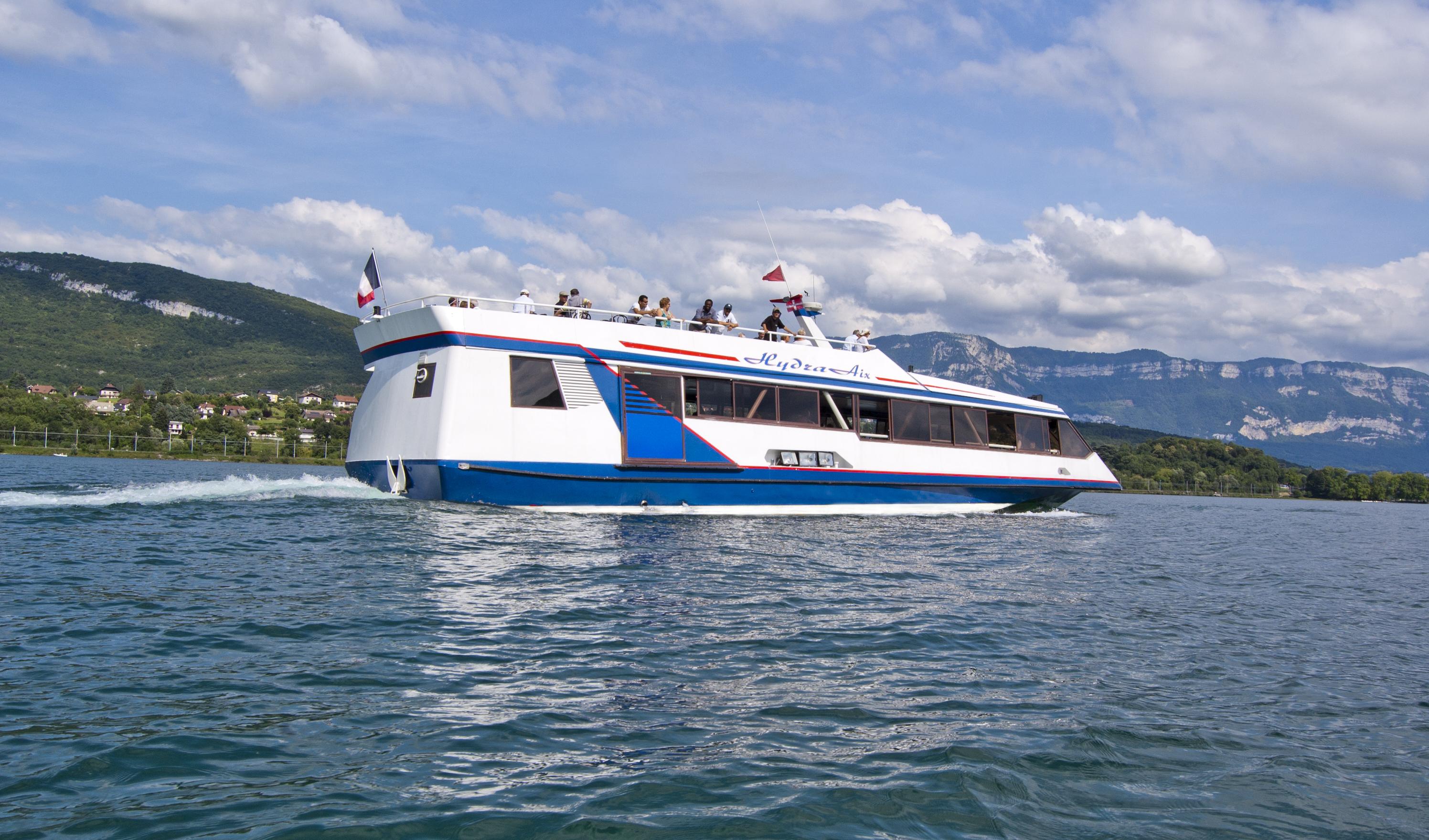 Salle bateau hydraaix compagnie des bateaux du lac du for Salle de bain de bateau